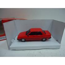 Renault 9 1/43 Alucinante Replica