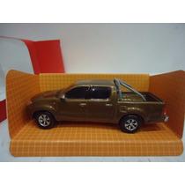 Toyota Hilux Doble Cabina 4x4 1/43 Alucinante Replica