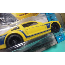 Hot Weels 2005 Ford Mustang Gt 2014
