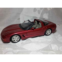 Burago - Chevrolet Corvete (1997) - Escala 1:18 De Metal