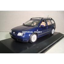 Volkswagen Bora - Minichamp 1/43