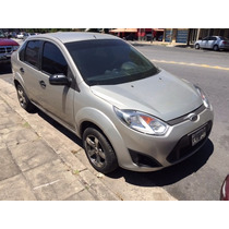 Ford Fiesta Max - Exelente -permuto Menor O Mayor Valor Fcio