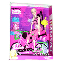 Bannie - Tipo Barbie Cyclist 30cm + Bici - Excelente.