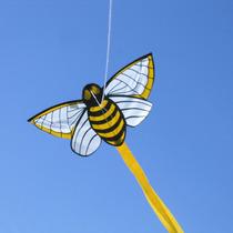 Alto Vuelo Barrilete Cometa Kite Bee Abeja Abejita Pepino