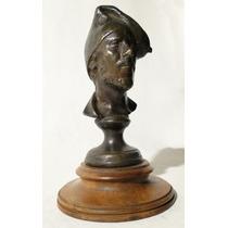 Escultura Francesa En Bronce Busto De Un Español Campesino