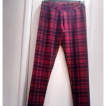 Calza Escocesa Roja Y Negra. Talle M