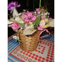 Canasta De Mimbre Con Flores Artificiales