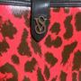 Cartera Victoria Secret Roja Animalprint Con Porta Celular