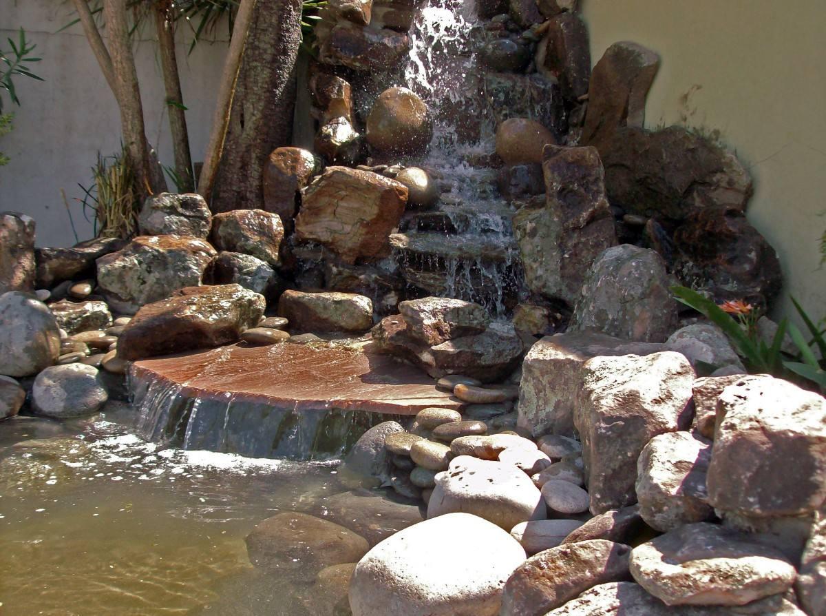 Fuentes de piedras catalogo de fuentes para jardin de - Fuentes de cascada ...