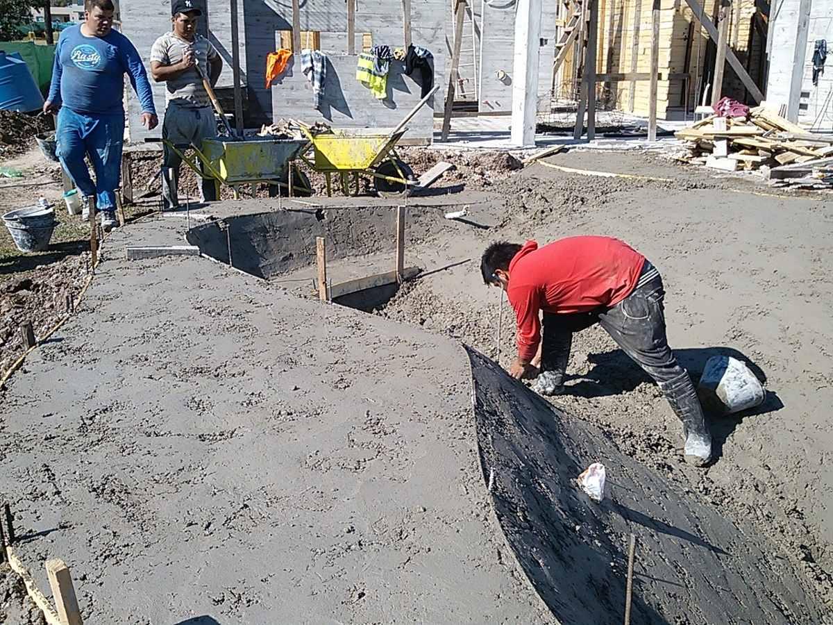 Construcci n de piscinas playas arena pilar en mercado - Construccion de piscinas de arena ...