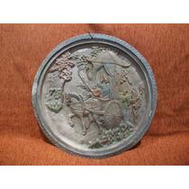 Cuadro Oriental En Yeso Con Dibujos En Relieve - 42,5 Cm.