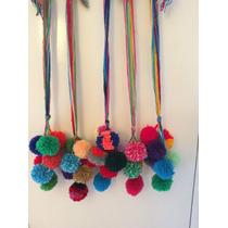 Manojos De Pompones Multicolores