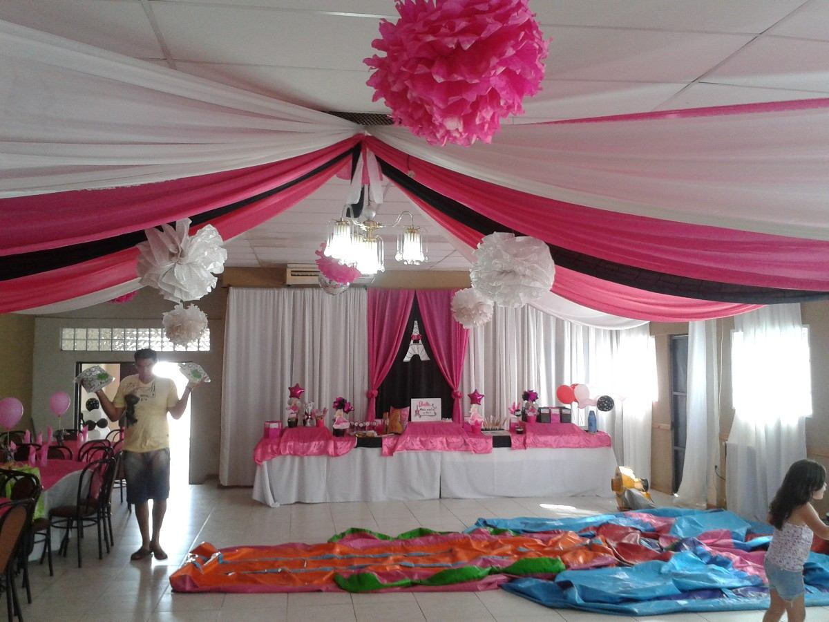 Decoraci n de salon con telas y globos imagui for Decoracion con telas