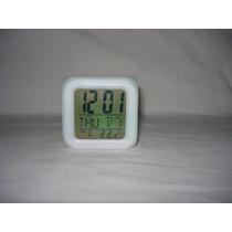 Reloj Digital Cubo Cambia De Colores Temperatura Vintage