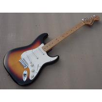 F E N D E R - Fender Starcaster Stratocaster Sunburst ******