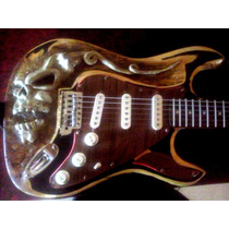 Guitarra Stratocaster Calabera
