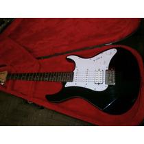 Guitarra Yamaha Pacifi Estratocaster.