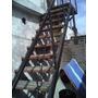 Escalera De Hierro Estructural Con Escalones De Madera