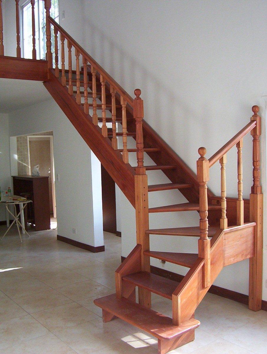 Escaleras de madera interior recibidor y escalera de madera historia sobre la escaleras - Escaleras de madera para interior ...