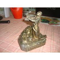 Antigua Estatua De Peltre Resando Religion 18,5 Cm Altura