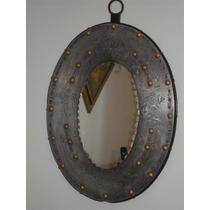 Antiguo Espejo Con Marco De Metal Repujado Y Bronce