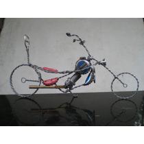 Escultura De Moto Con Material Reciclado