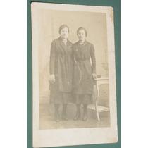 Fotografia Postal Damas Mujeres Peinados Costumbres Vestidos