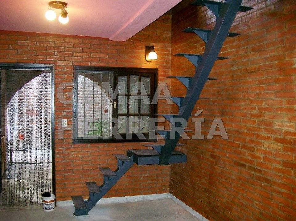 Pin herreria para escaleras modelos consejos las genuardis for Fotos de escaleras de herreria