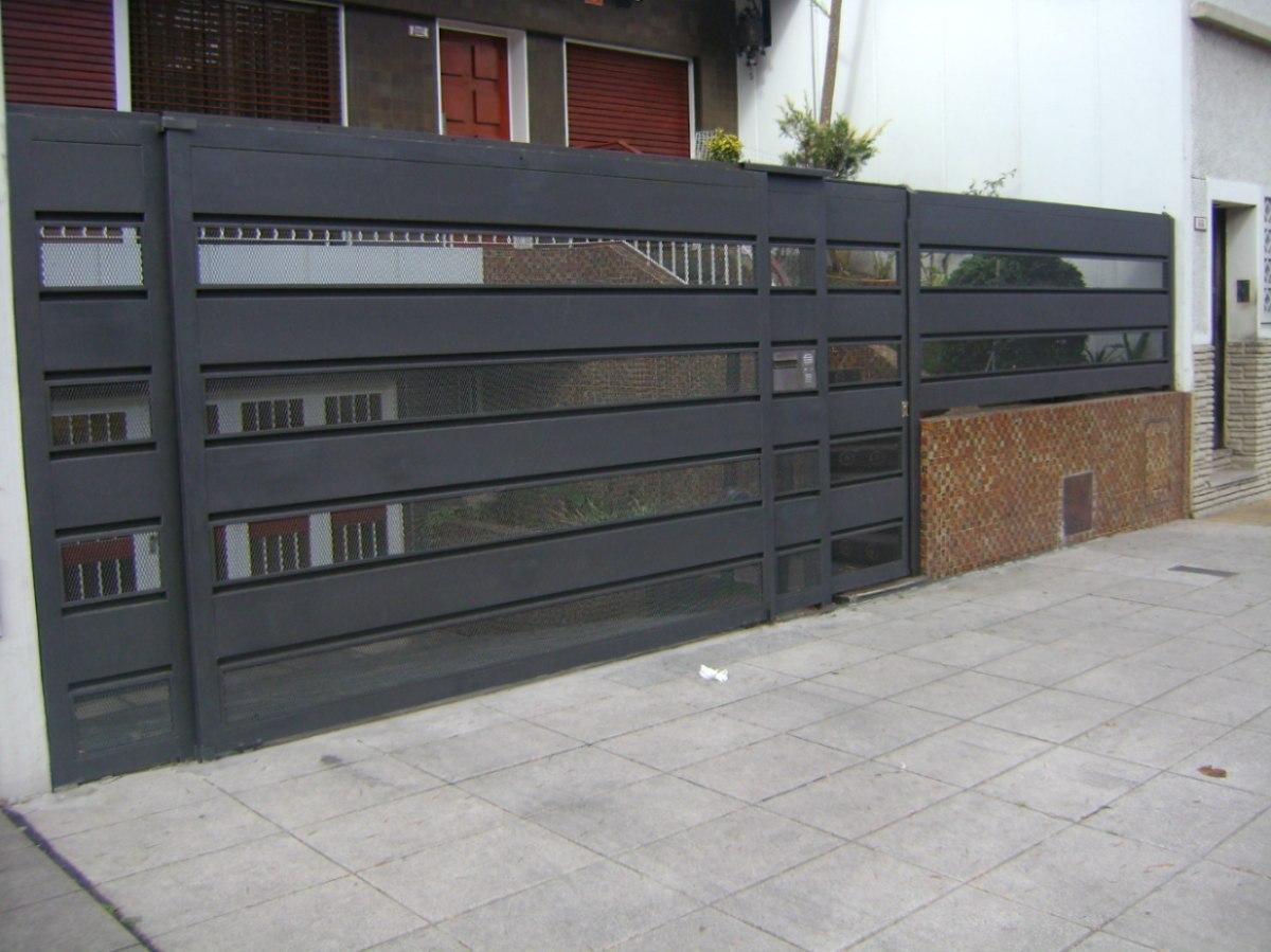 Fotos de frentes de casas modernas fachadas de casas - Rejas exteriores ...