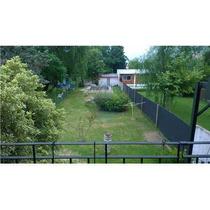 Casa De 2 Pisos Con Jardín