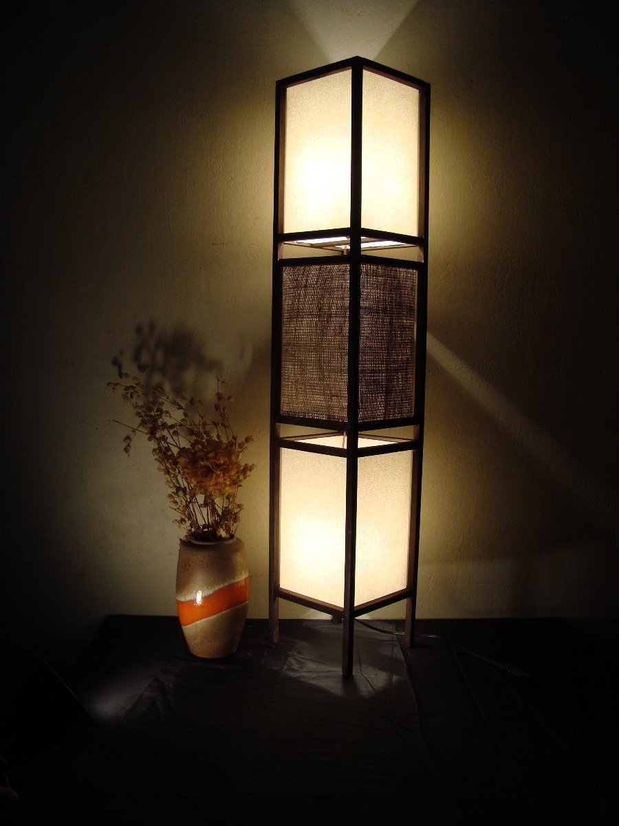 Lamparas on pinterest paper lamps lamps and paper lanterns - Lamparas de madera ...