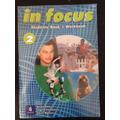 In Focus 2 Students´ Book - Workbook Pearson Longman