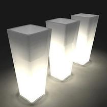 Maceta Luminosa Piramidal 48 X 23 X 17 Con Lámpara