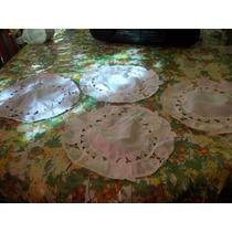 Lote De Cuatro Carpetas De Mesa Redondas Bordadas Y Caladas