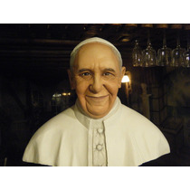 Busto Del Papa Francisco / Bust Of Pope Francis