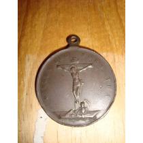 Antigua Medalla De Cobre Imagen De Jesús Crucificado Y Maria