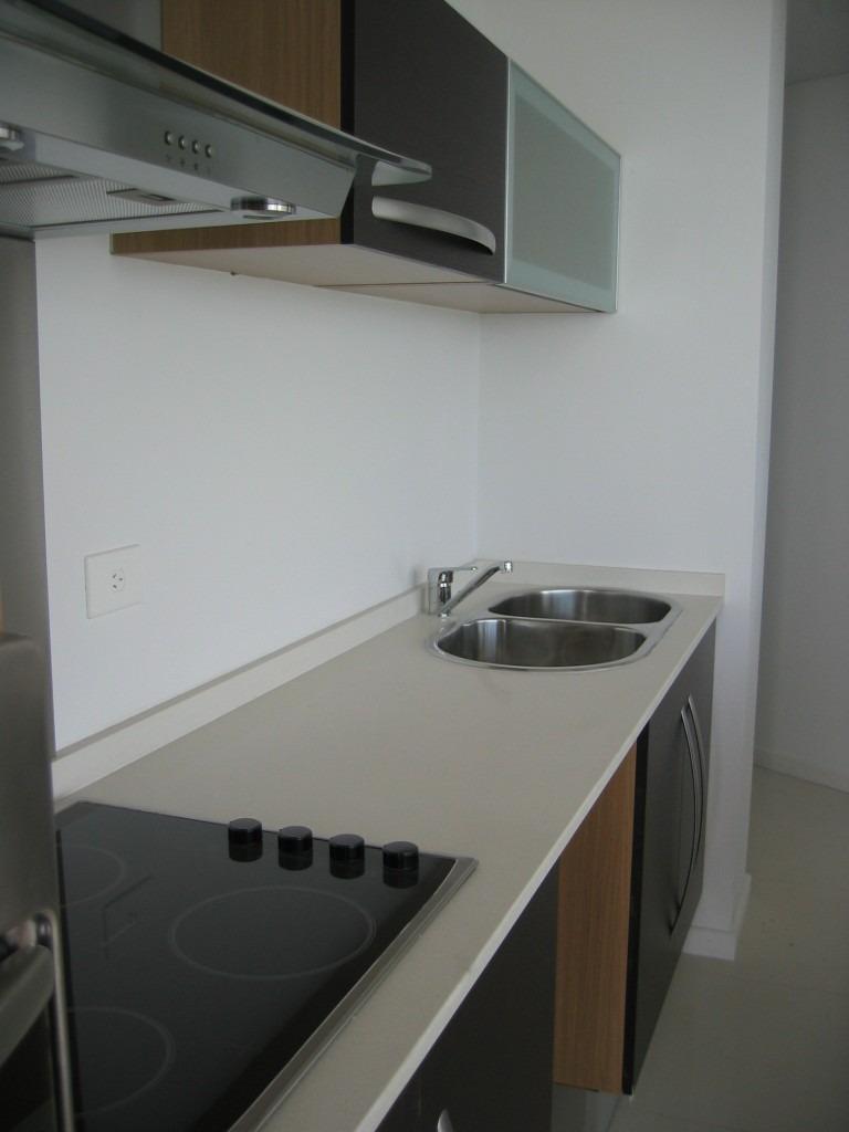 Precio marmol cocina ideas de disenos for Cocinas de granito precio