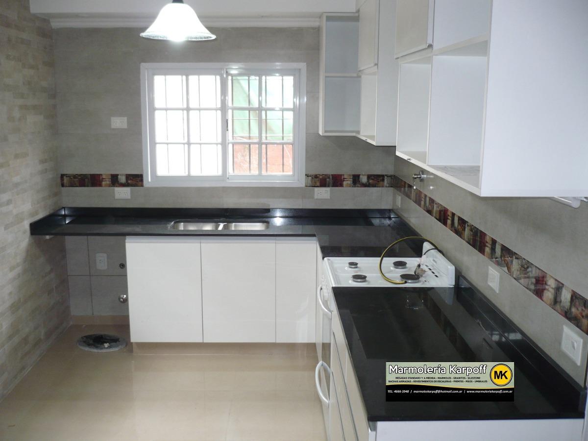 Mesadas de cocina en granitos marmoles y silestone con for Colores marmoles cocina