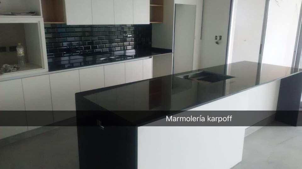 mesadas de cocina en granitos marmoles y silestone con