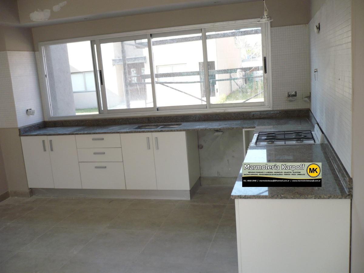 Mesadas de cocina en granitos marmoles y silestone con - Precios de granito para cocina ...