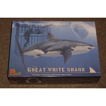 El Gran Tiburon Blanco (w/ Buzo) Pegasus 1/18 Cons Stock