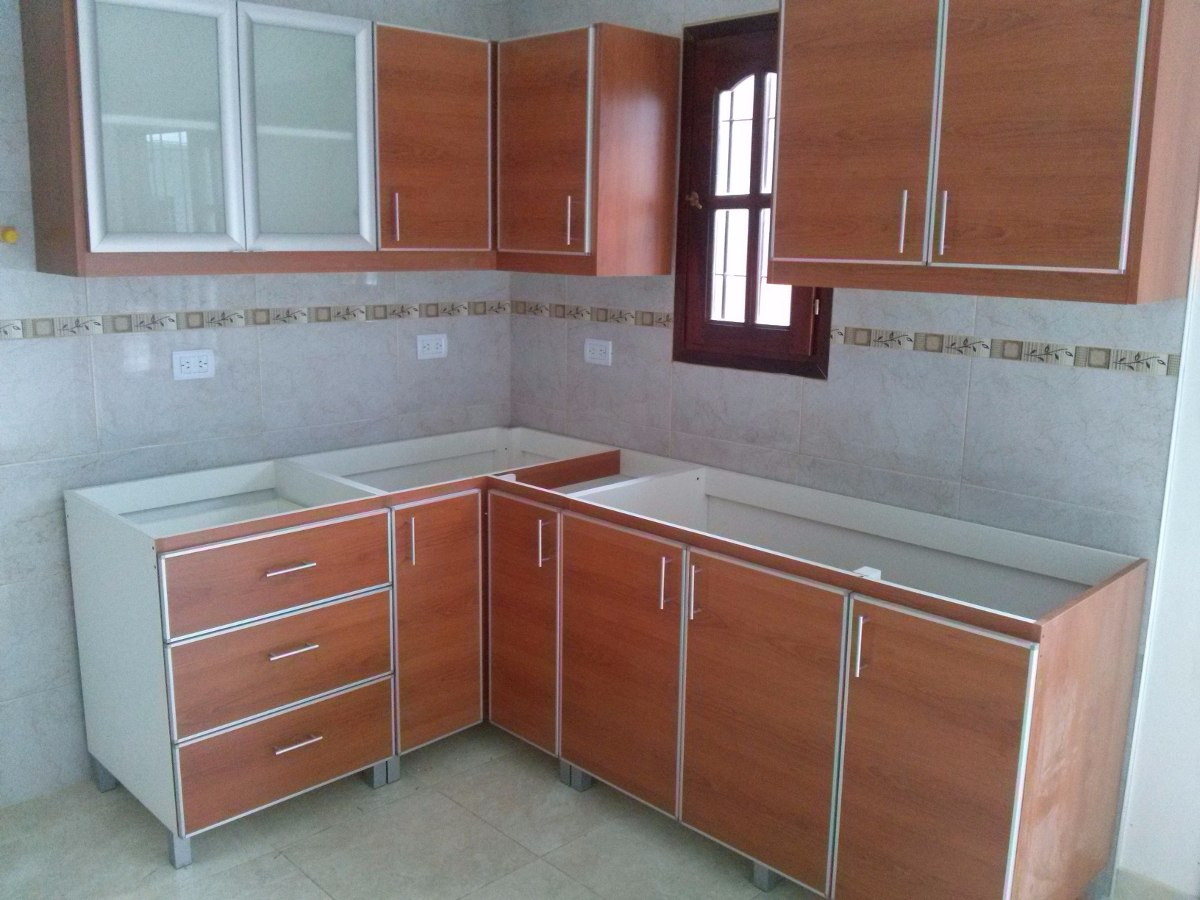 Muebles a medida cocina placar vestidor escritorios for Cocinas muebles a medida
