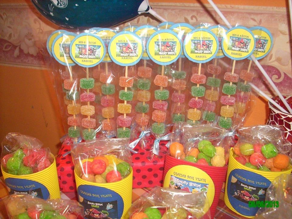 Golosinas para fiestas infantiles imagui - Adornos con golosinas ...