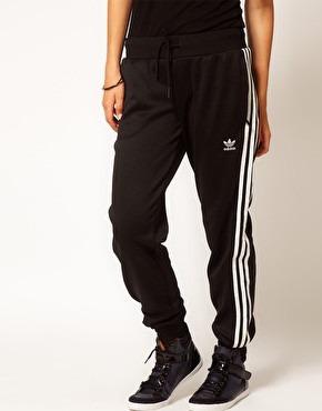 nike uniforme constructeur football - R��union de Bureau : pantalon adidas climalite