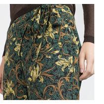Pantalon Flores Cruzado Zara