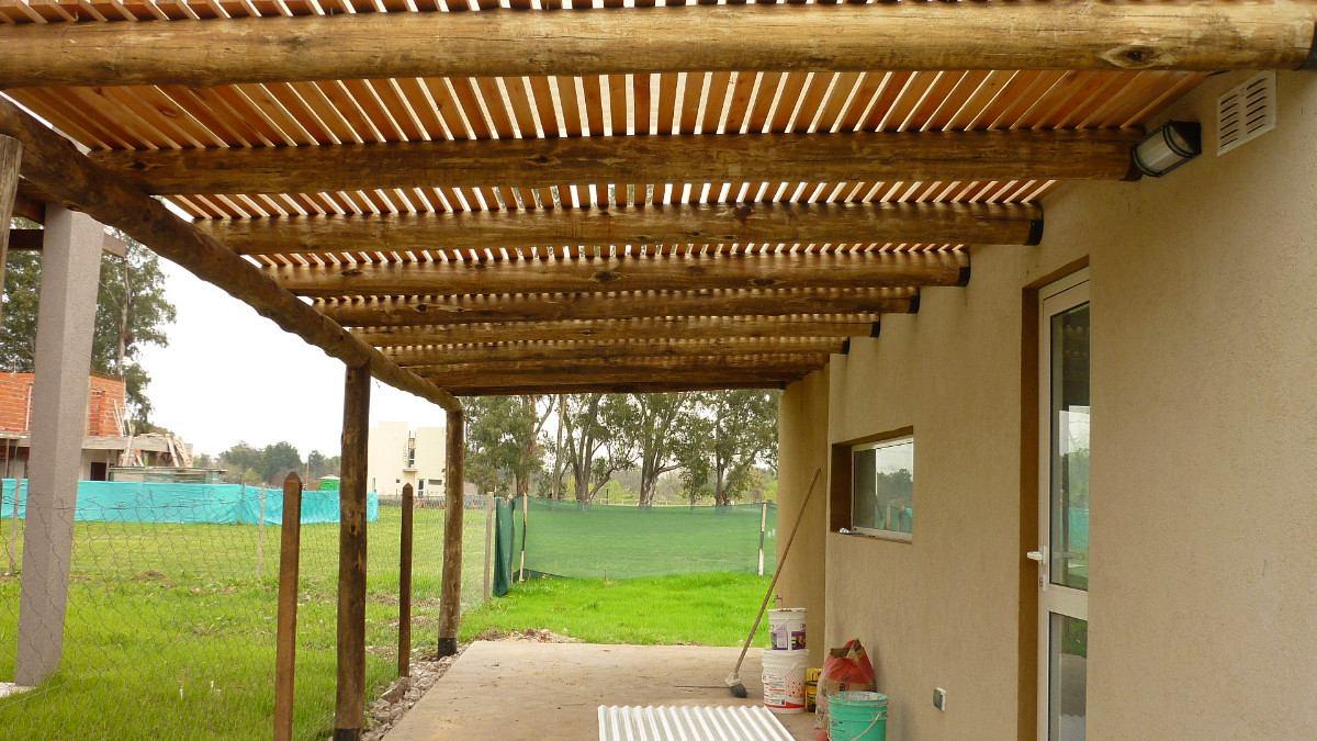 Pergolas garages galerias empalizadas palos postes ca as - Como hacer cobertizo de madera ...