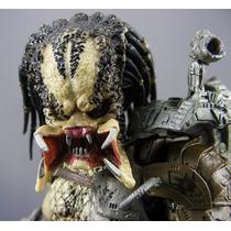 Predator Clasic Sin Mascara Neca