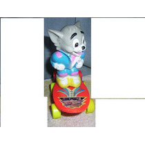 Tom Y Jerry !!tom En Patineta A Pila