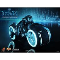 Tron Sam Flynn Moto -hot Toys - 1-6 - Senkitoys - En Stock
