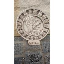 Escultura Calendario Maya En Piedra Caliza De Chichen Itza